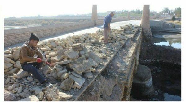 مرحله اول عملیات مرمت پل ورزنه در اصفهان شروع شد