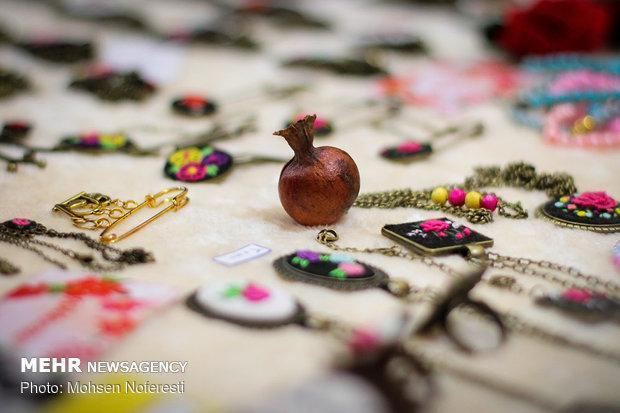 چهاردهمین نمایشگاه سراسری صنایع دستی در اهواز افتتاح شد