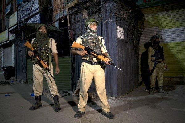 پاکستان روابط تجاری خود با هند را به حالت تعلیق درآورد