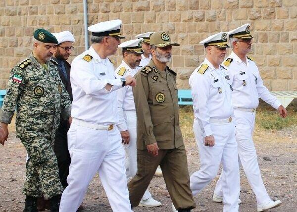 سرلشکر موسوی از یگان های نیروی دریایی ارتش در منجیل بازدید کرد