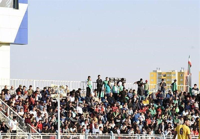 کُری خوانی طرفداران ماشین سازی برای پرسپولیس، کمتر از 10 پرسپولیسی منتظر ورود به استادیوم