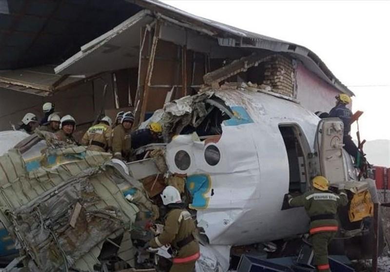 سقوط هواپیمای مسافربری در قزاقستان 15 کشته و 66 زخمی بر جای گذاشت