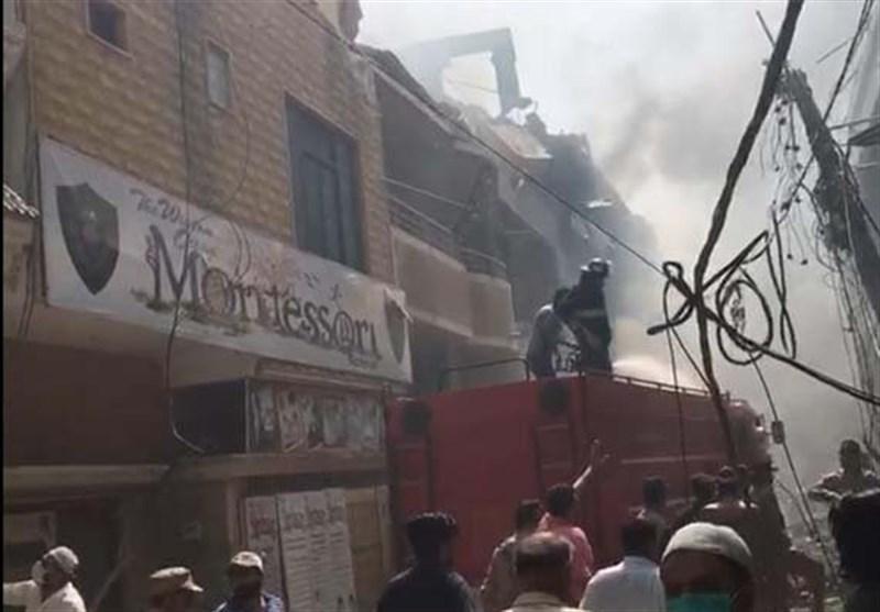 روایت شاهدان عینی از سقوط هواپیمای پاکستانی و زنده ماندن معجزه آسای 2 مسافر
