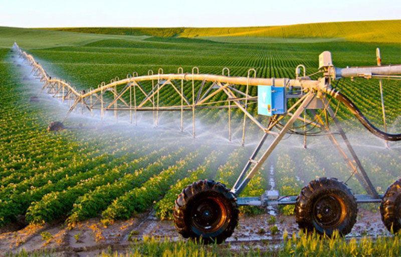 خبرنگاران آبیاری نوین در 400 هکتار اراضی کشاورزی مهریز اجرا شد