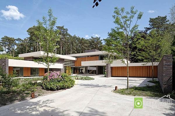 نمایی داخلی و خارجی ساختمان ویلایی لوکس در هلند