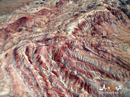 اشتهارد و تپه های رنگین کمانی اش بر روی زمین، عکس