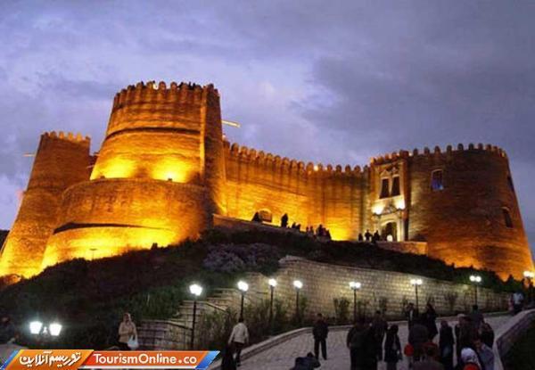 حدود 13 هزار توریست از قلعه تاریخی فلک الافلاک بازدید کردند