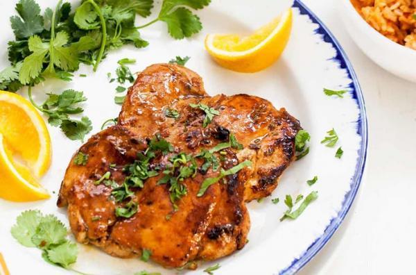طرز تهیه مرغ با سس پرتقال به 2 روش (سس پرتقال زعفرانی و مجلسی)