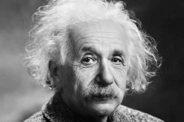 دست نویس محاسبات اینشتین برای نظریه نسبیت به قیمت 3 میلیون یورو به حراج گذاشته می گردد