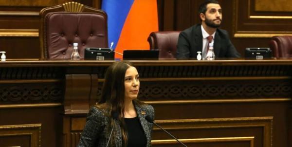 تور ارزان ارمنستان: درخواست نمایندگان مجلس ارمنستان برای نشست ویژه درباره اقدام باکو علیه کامیون های ایرانی